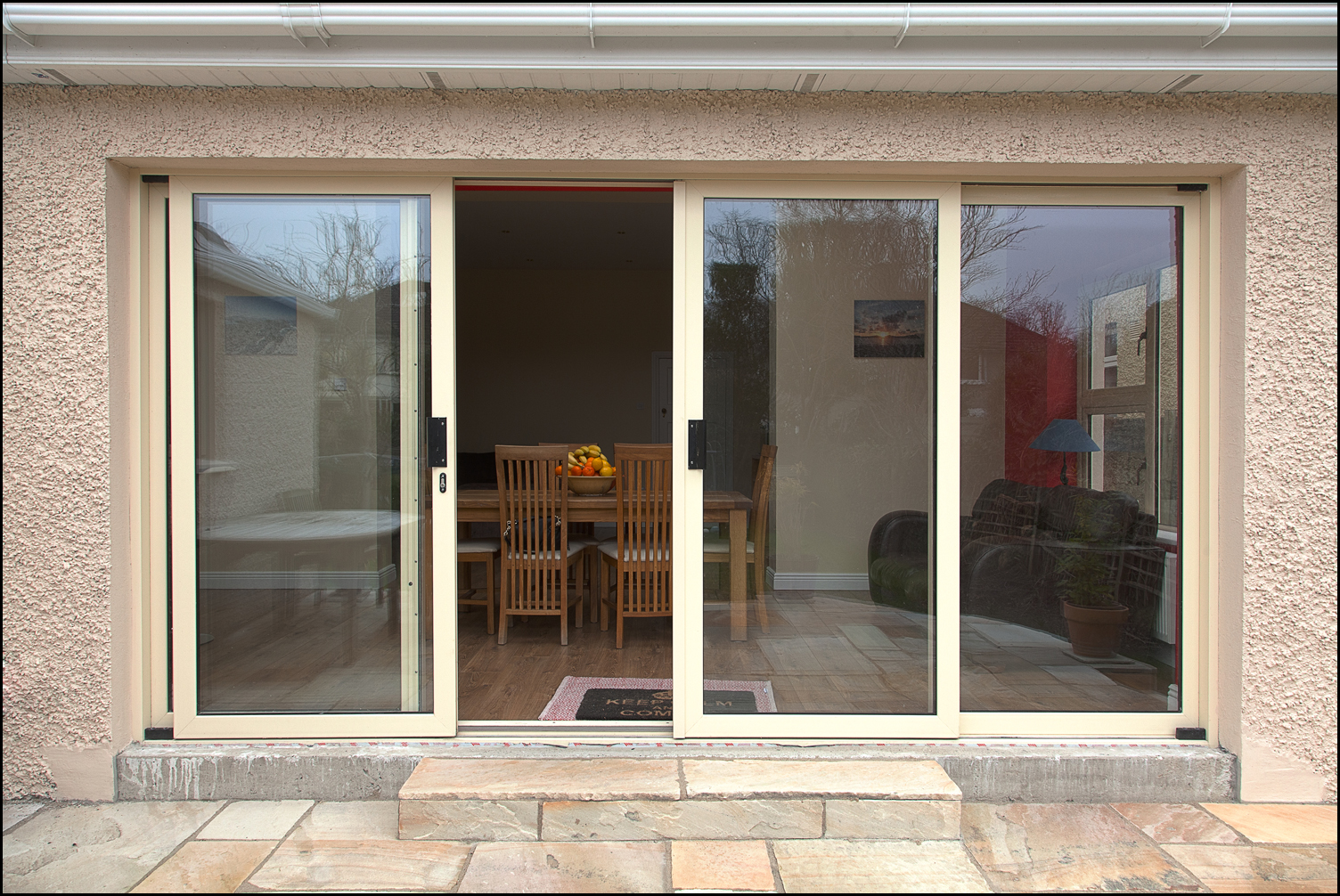 Center sliding patio doors best 25 pivot doors ideas on for Center sliding patio doors